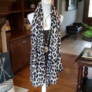 Must Have! Oversized Animal Print Scarf